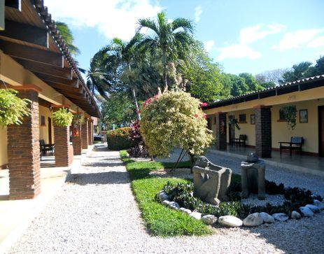 Best Western Las Espuelas Hotel, Bar & Restaurant